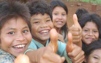 Freiwilligenarbeit im Ausland Kindern